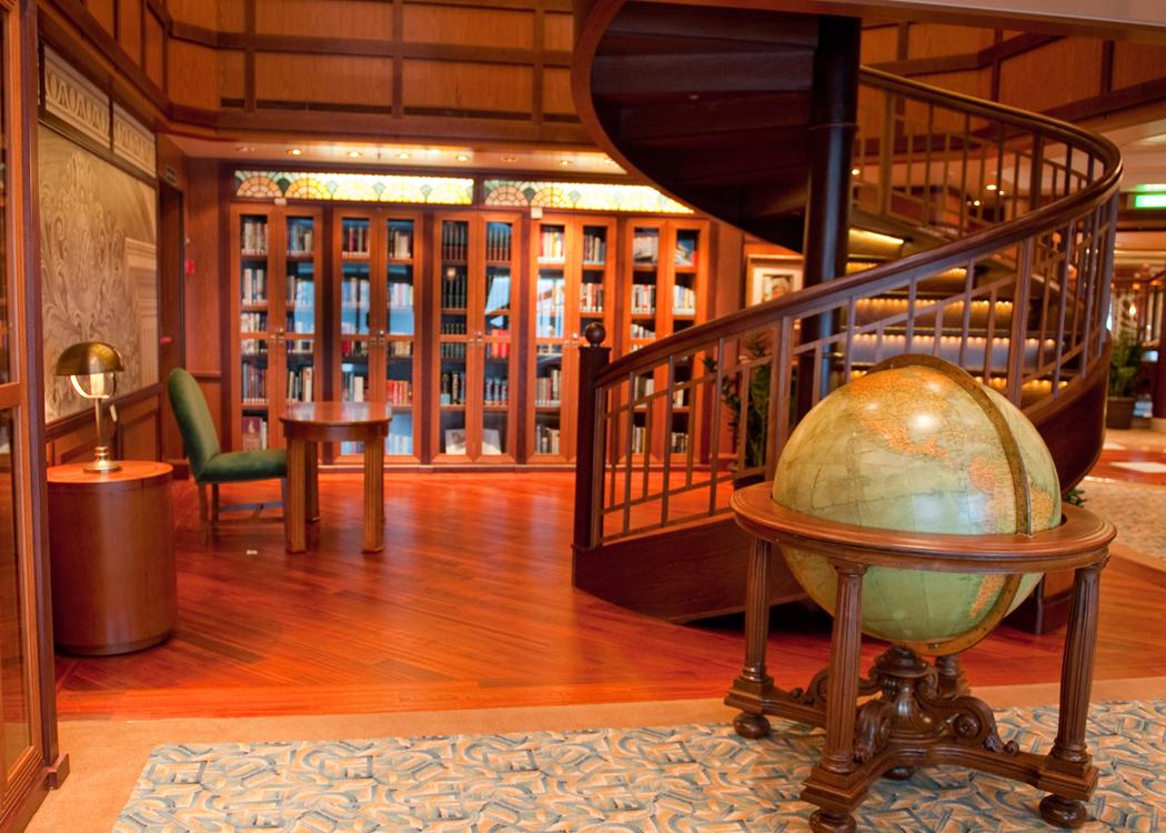 Queen Elizabeth Festive Debut Solent Richard S Cruise Blog